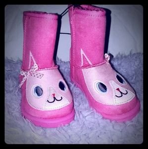 Pink toddler girls pull on animal boots